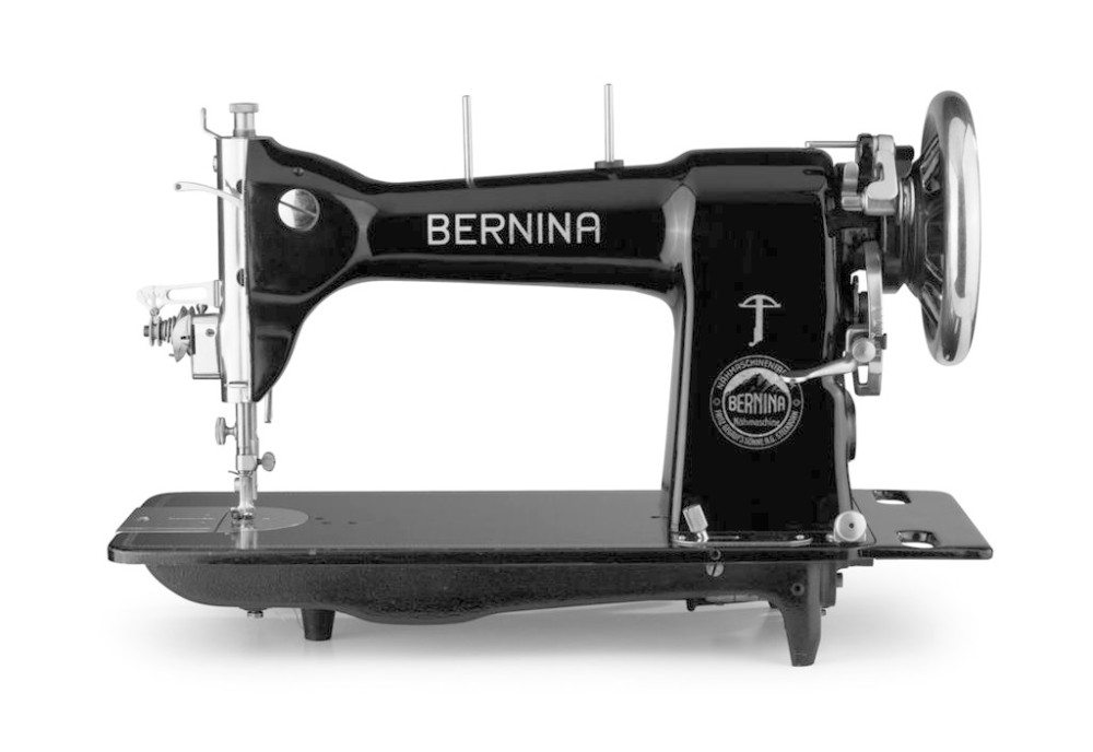 "Modell 105: Die erste Haushaltsnähmaschine mit dem Markennamen Bernina. (© BERNINA International AG, Steckborn / Wikimedia / <a title=""creativecommons.org - Creative Commons"" href=""http://creativecommons.org/licenses/by-sa/3.0/"" target=""_blank"">CC-BY-SA-3.0</a>)"
